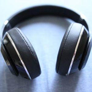 Beats Studio 2 Wireless